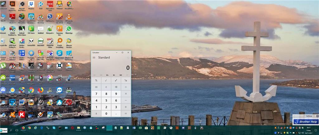 Windows 10 Calculator icon invisible on Taskbar f20d59e3-db80-4d15-b771-4cf71e4c8723.jpg