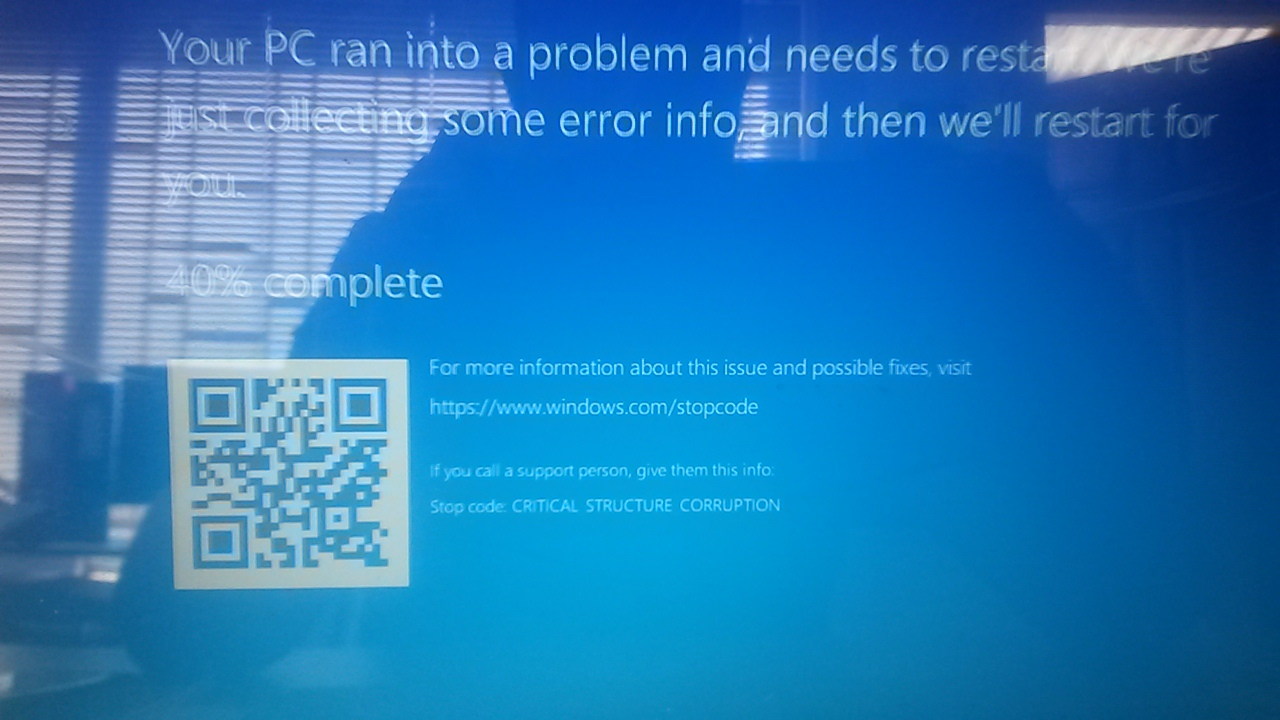 Your PC ran into a problem and critical service failed GD27Q.jpg