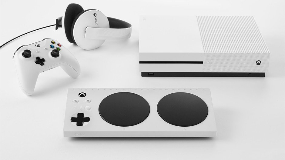 Gaming Gets More Inclusive with the Launch of Xbox Adaptive Controler XACLaunchHERO-hero.jpg